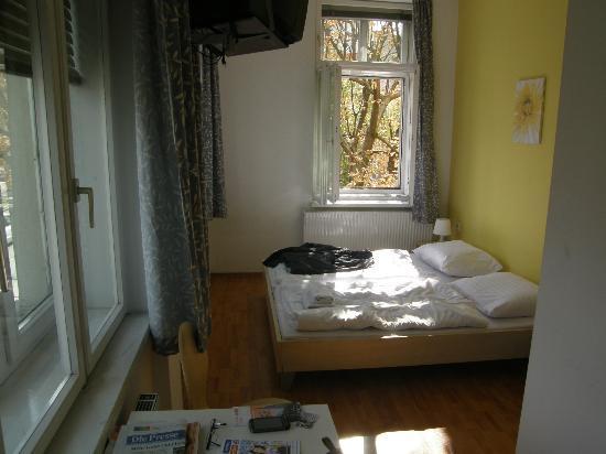 A&O Wien Stadthalle: Zimmer