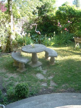 Les Terrasses du Lac: Le jardin...
