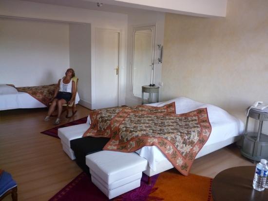Auberge du Chateau - Inn Reviews (Dampierre-en-Yvelines, France ...