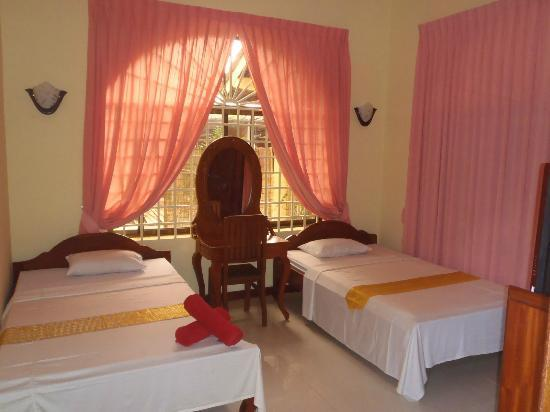 Baca Villa: twin rooms