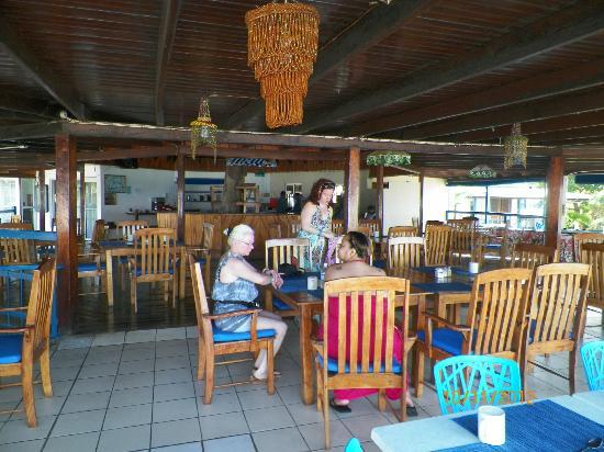Negril Tree House Resort : breakfast area.