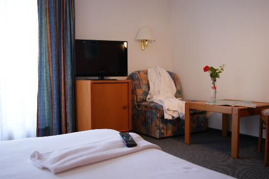 Hotel Waldruhe: Zimmer mit LCD TV