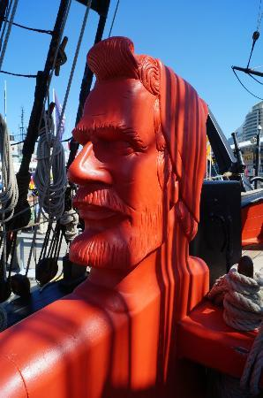 Australian National Maritime Museum: Amazing carved head on the deck