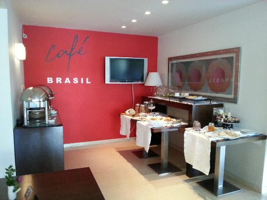 Brasil Suites Hotel Apartments : breakfast