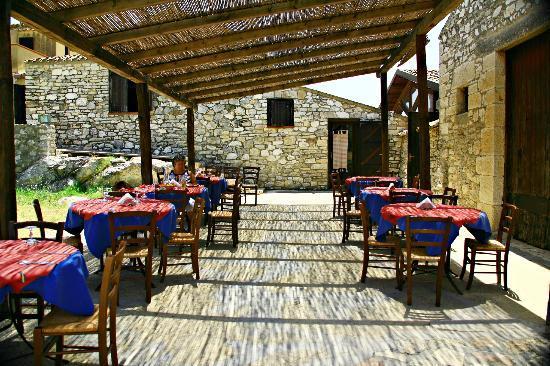 Baglio Segesta Restaurant: Il Patio Cannicciato Per Mangiare Allu0027aperto