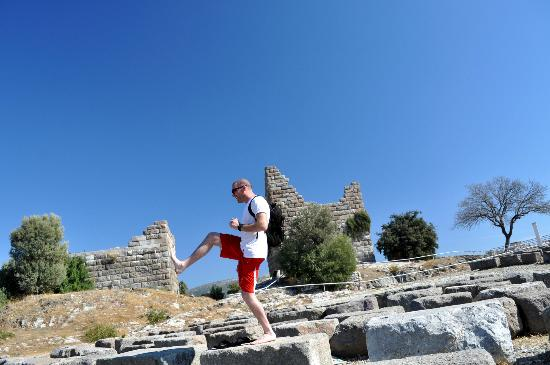 Aegean Gingers: More photos from Jitka at an historical site...