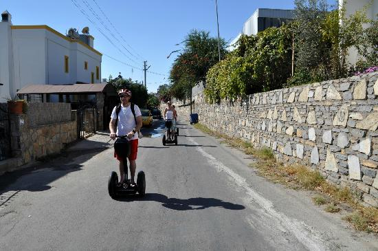 Aegean Gingers: Doing about 25mph....being a motor biker and snowboard, this really is the next freedom buzz