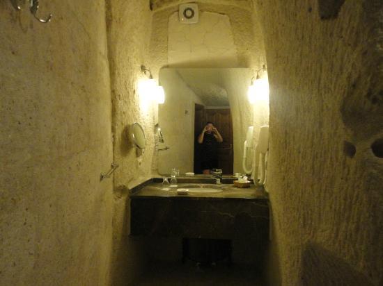 แคปปาโดเซียเคฟ สวีทส์: bathroom
