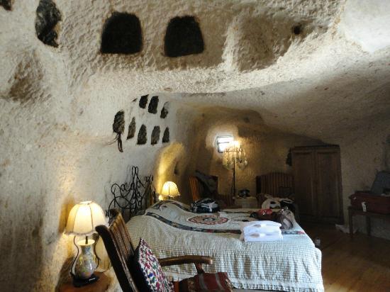 Cappadocia Cave Suites: Room