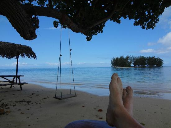 Moorea Fare Miti: On beach by tree