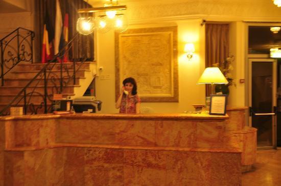 Blue Weiss Hotel: Reception