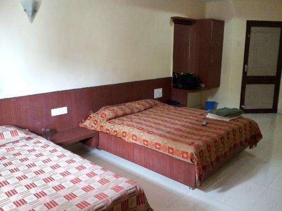 Hotel Sharan : Clean, Neat and Spacious Room