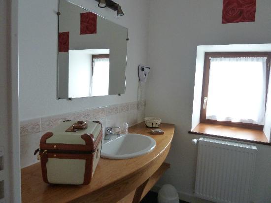 Auberge la Claie des Champs: Salle de bain