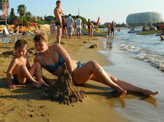 Club Green Fugla Beach: пляж отеля