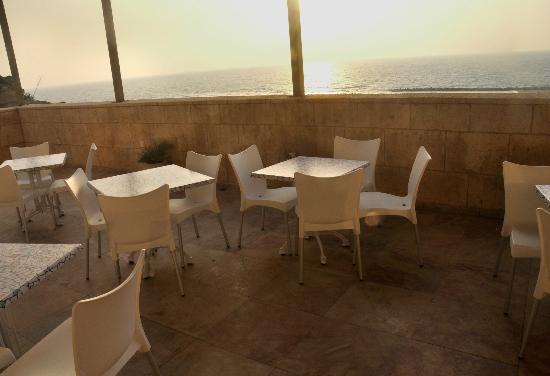 Blue Weiss Hotel: Breakfat on the terrace