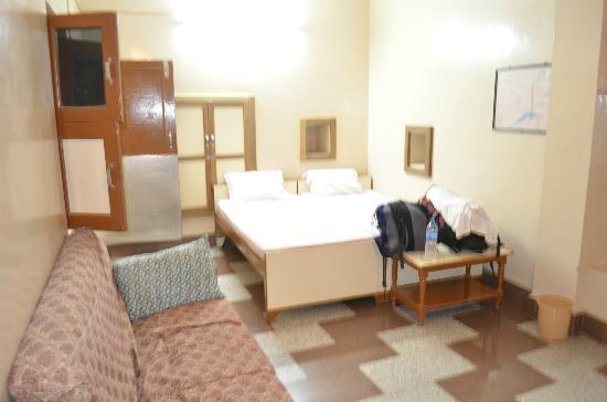 Residency Centre Point Guest House and Desert Safari: room