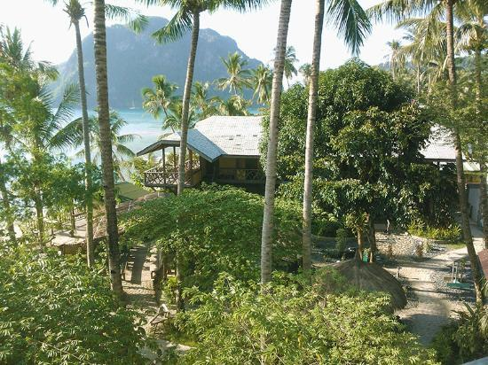 Coral Bay Beach Resort El Nido