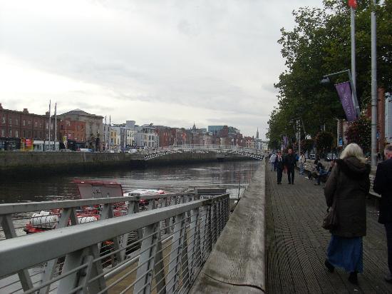 Camden Court Hotel: River Liffey, Dublin.
