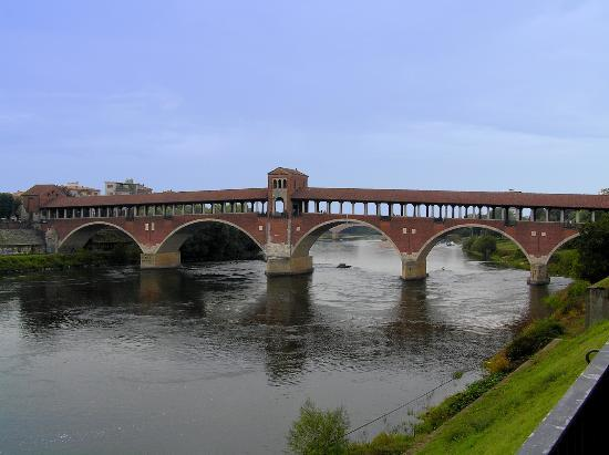 Pavia, Italy: Ponte Coperto /Covered Bridge 1