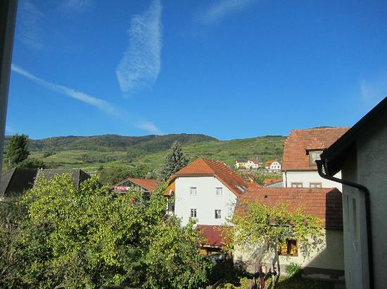 Hotel Garni Donauhof: View from Room 104