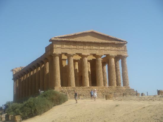 Sicily Travelnet Private Tours: Temple of Concordia