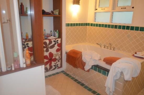 Samui Buri Beach Resort: ванная комната