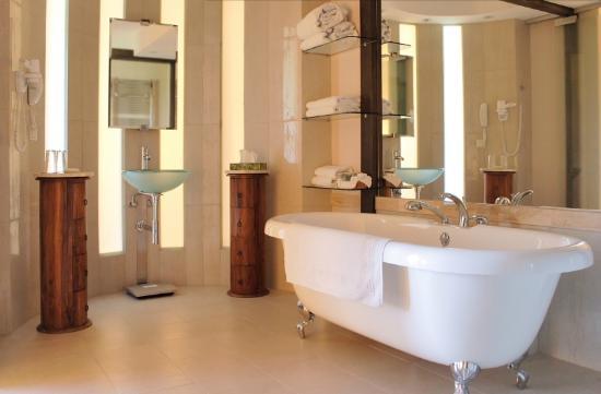 Hotel SPA Dr Irena Eris Wzgorza Dylewskie: Łazienka - Bathroom