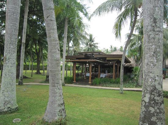 The Santosa Villas & Resort: The gardens and where we ate lunch