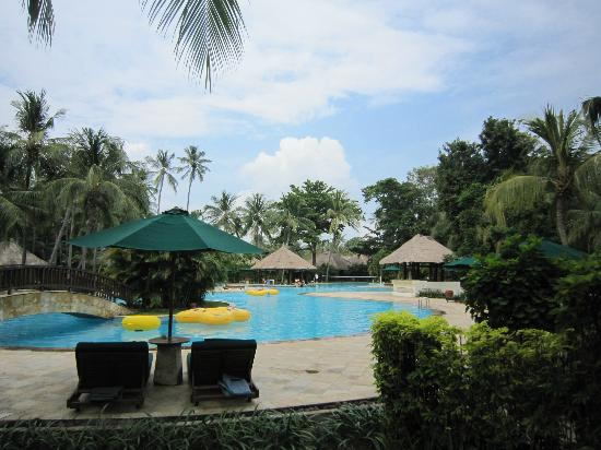 The Santosa Villas & Resort: The Pool