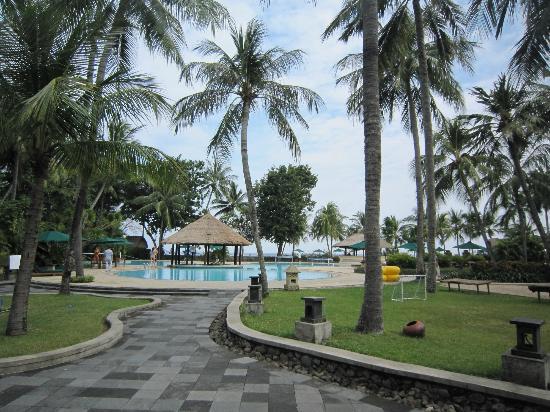 The Santosa Villas & Resort: Pool