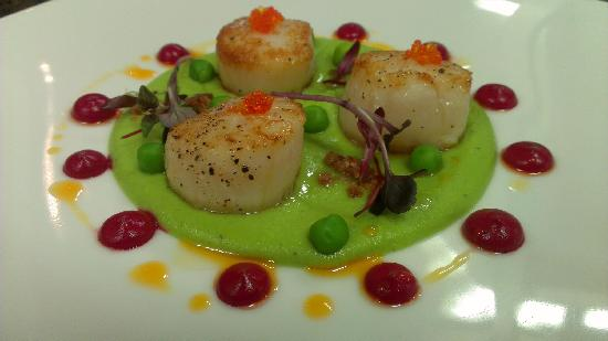 Tea Gardens Boatshed: Seared Scallops