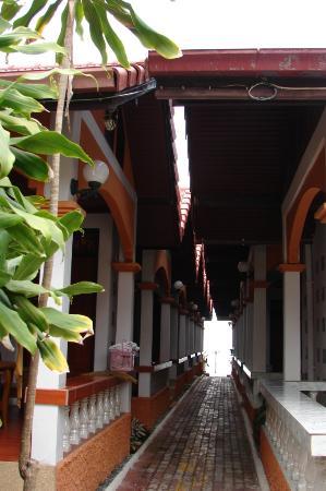 Kinnaree Resort: acces vers les chambres