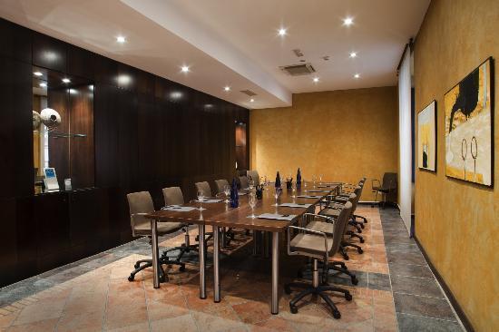 AC Hotel Ciudad de Tudela: Sala reunión Consejo 1