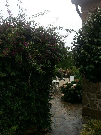Hotel Rustico Lugar Do Cotariño: Garden