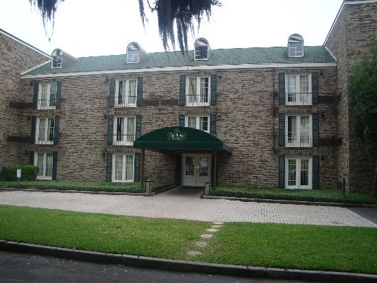 Oglethorpe Inn & Suites: Beautyful building.