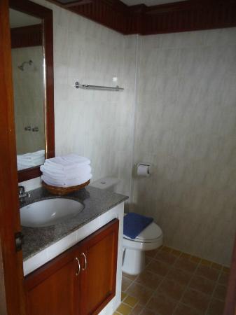 Palmview Resort Patong Beach: salle de bains