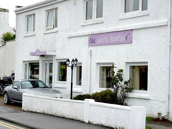 White Heather Hotel: The front of the Hotel.