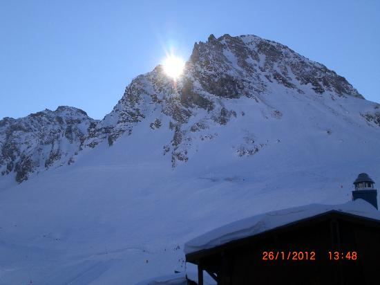 Limehouse : Disappearing sun in the Alps