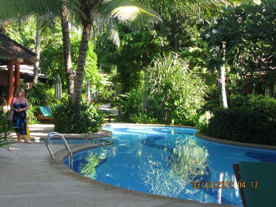 بان شاونج بيتش ريزورت آند سبا: View if the pool 