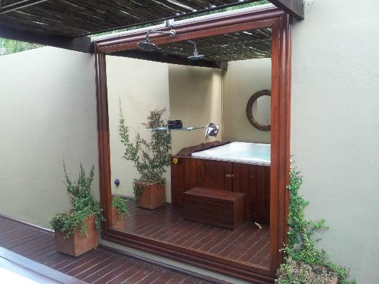 The Residence Boutique Hotel: outdoor jacuzzi