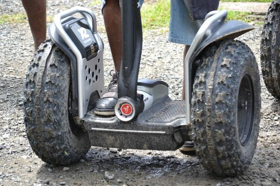 LucianStyle Segway Day Tours: foot demonstration