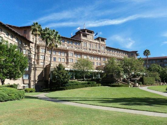 The Langham Huntington, Pasadena, Los Angeles: The gorgeous Langham Huntington from the south side of the hotel