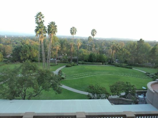 The Langham Huntington, Pasadena, Los Angeles: The fasntastic view from our room looking over LA