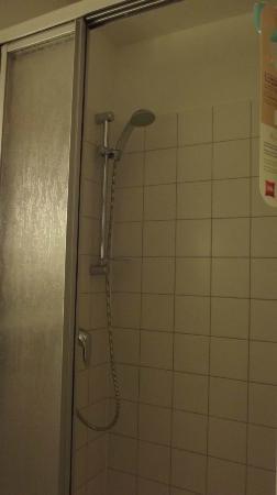 Ibis Rostock am Stadthafen: Shower