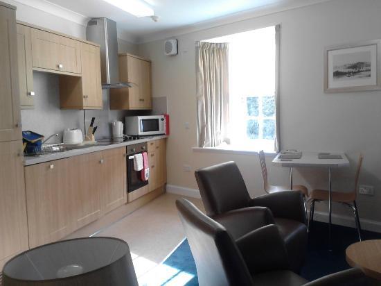 New Lanark Mill Hotel: Waterhouse Apt - living area
