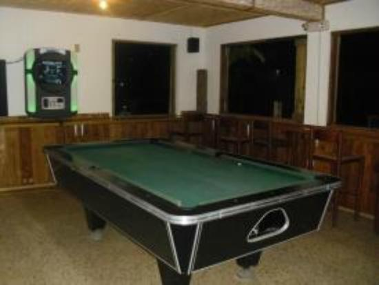 Happy Belly's: Billiard room