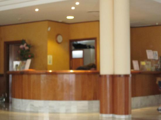 Garbi Cala Millor: hotel lobby