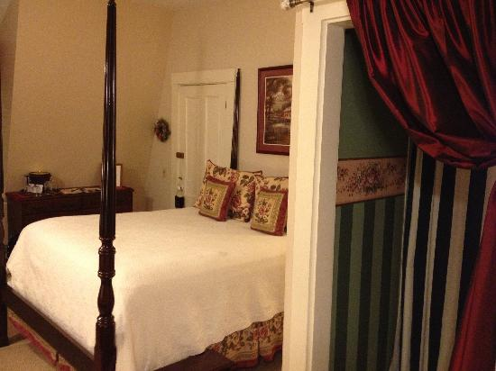 The Old Manse Inn: Camera 7