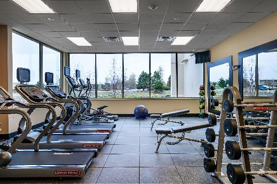 Hampton Inn & Suites Salem : Fitness Center