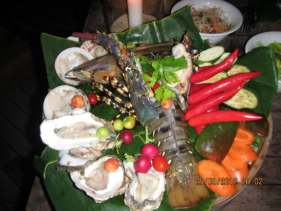 L'Alyana Villas Ninh Van Bay: in-villa BBQ dinner